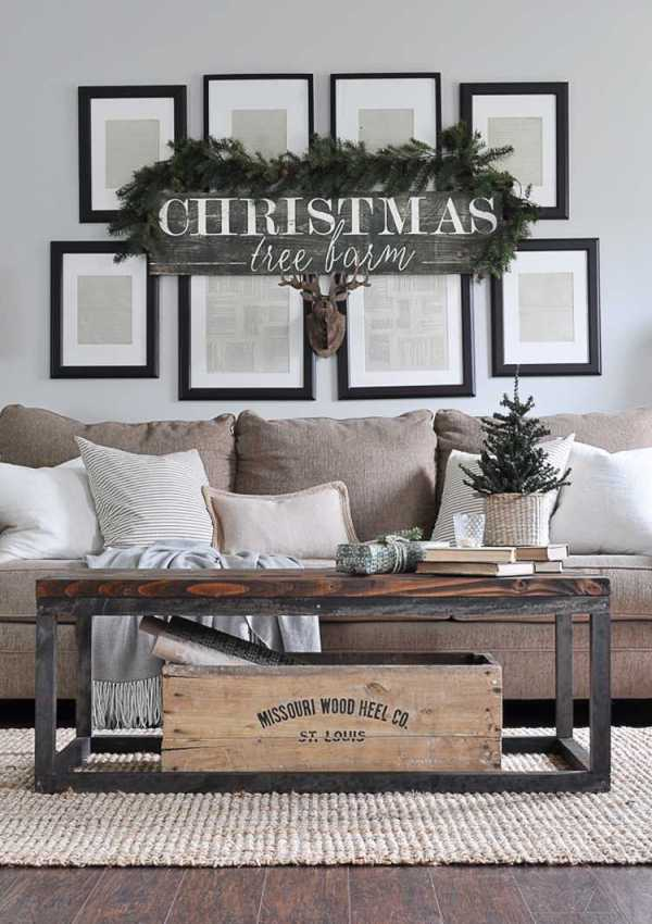 Elements of Rustic Christmas Decor