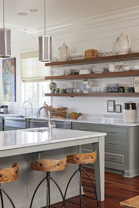 There are many ways and simple ideas to add warmth to your all white kitchen. Visit https://ablissfulnest.com/ to find out how! #interiors #kitchens #designertips