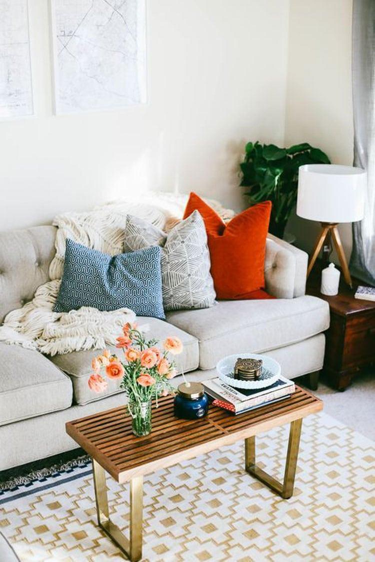 how to style throw pillows 3 designer