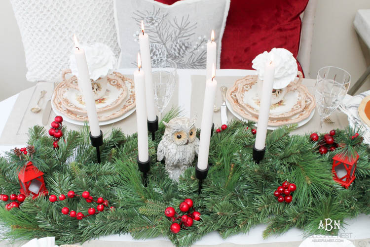 With the holidays coming, this is such a fun rustic woodland holiday table setting from Cracker Barrel! Love this tips and hints to get this same look for a Thanksgiving or Christmas table. #ad #JoyToTheTable #holidaytablesetting #holidaydecor #christmastable #christmasdecor