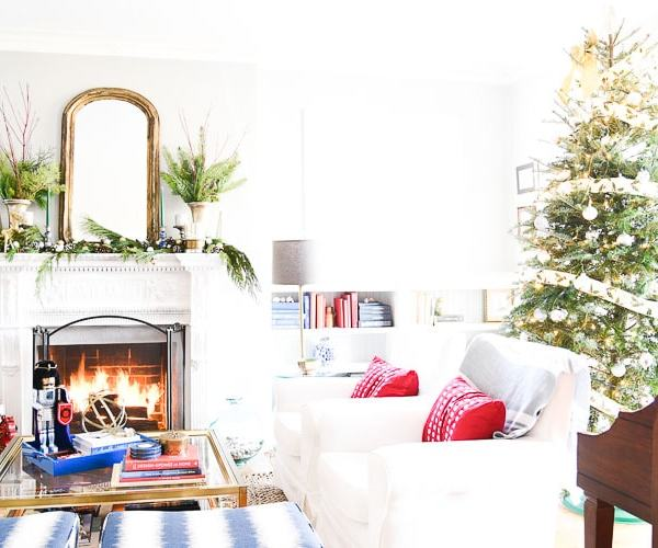 Vintage Inspired Holiday Decor – Christmas Tablescape and Mantel Ideas