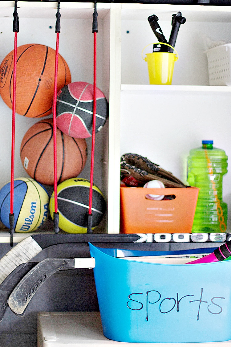 Getting your house organized doesn't have to be challenging! Professional organizer shares her tips on organization for the home! #organizationideas #organizing #homeorganizing #organizationtips