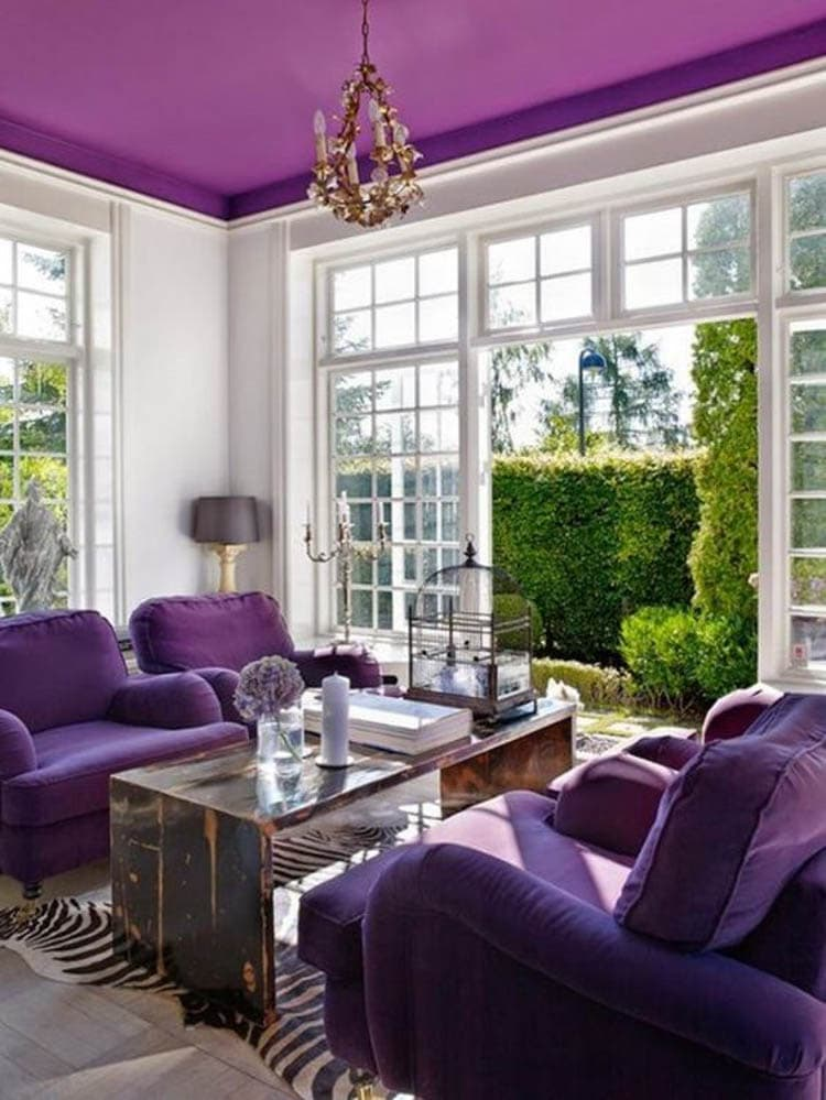 Love this guide on how to use Pantone's color of the year - Ultra Violet! #pantonecoloroftheyear #ultraviolet #colorguide #designtips #homedecorideas