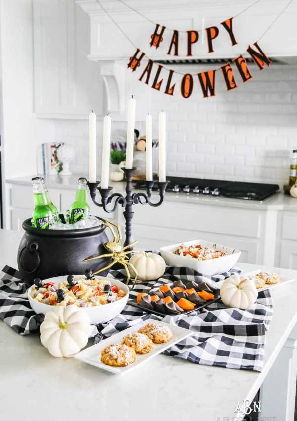How to Decorate for Halloween in Your Home with Essential Halloween Party Decor