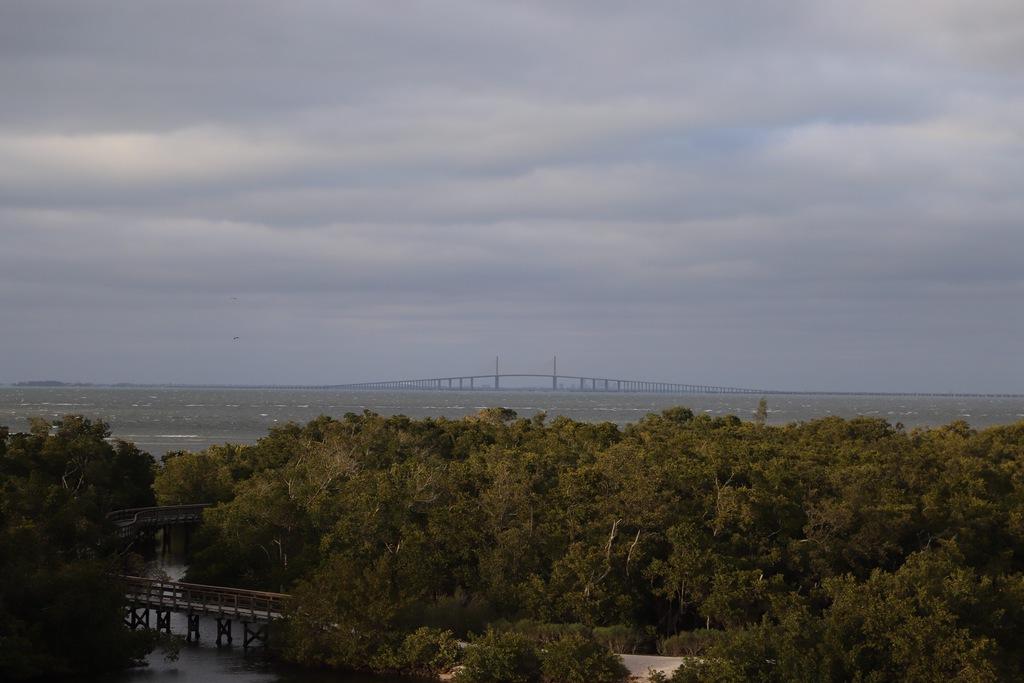 Blick vom Observation Tower zur Sunshine Skyway Bridge