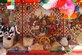 """""""Caccavetta e semenza"""" (dried peanuts and pumpkin seeds) cart at Bagheria, the homeland of traditional sicilian cart"""