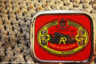 Old cap of tuna box from Florio's tonnara, at Favignana. It's won many prizes for their products.