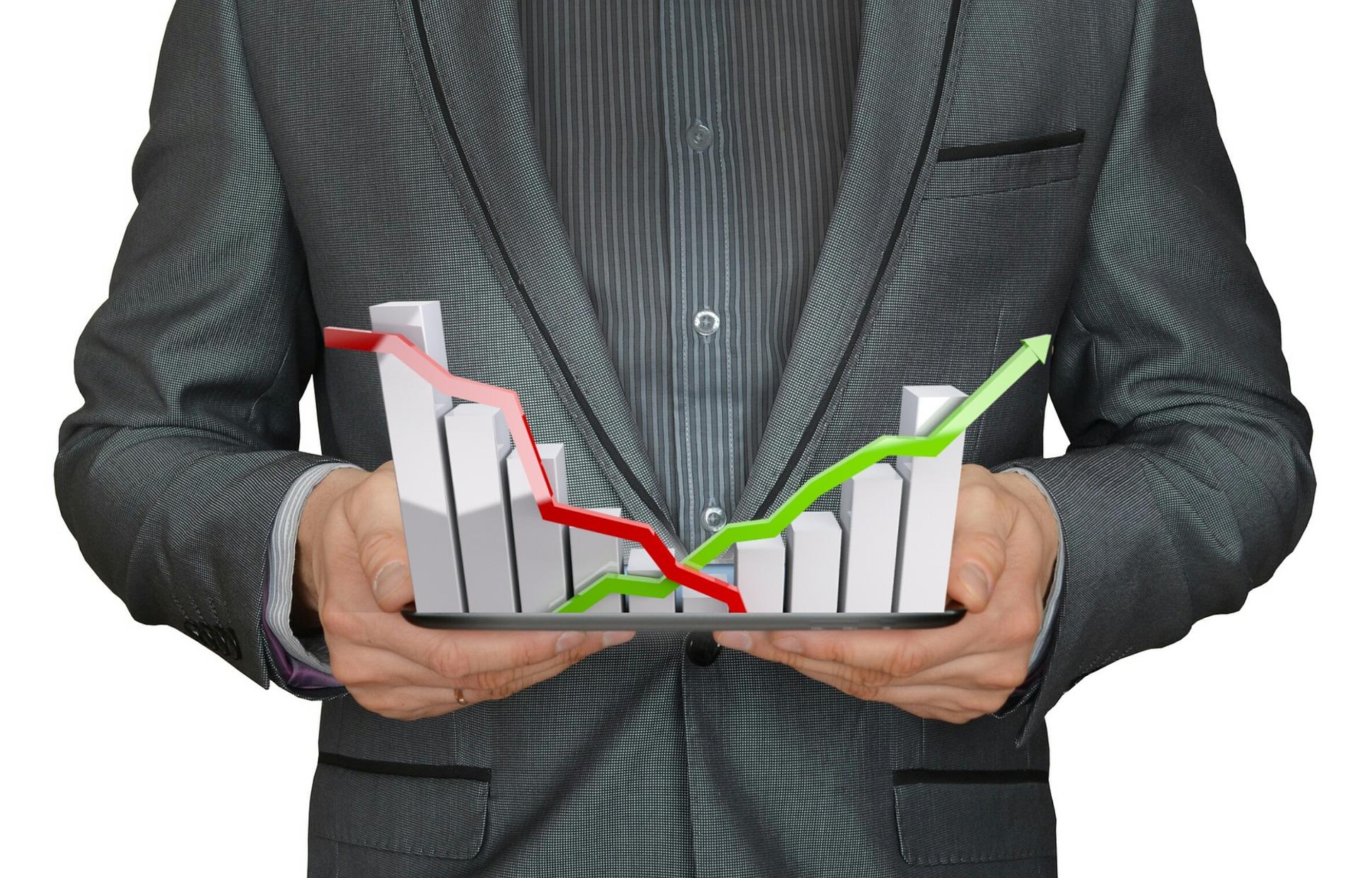 US STOCKS-Market rises on Cisco outlook, drop in oil
