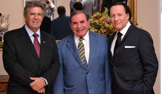 Os coordenadores do 17º Simpósio Internacional de Cirurgia Plástica: Dr. Carlos Oscar Uebel, Dr. Ewaldo Bolivar de Souza Pinto e Dr. Raul Gonzalez
