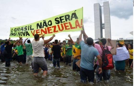 Protestos contra Dilma e Lula