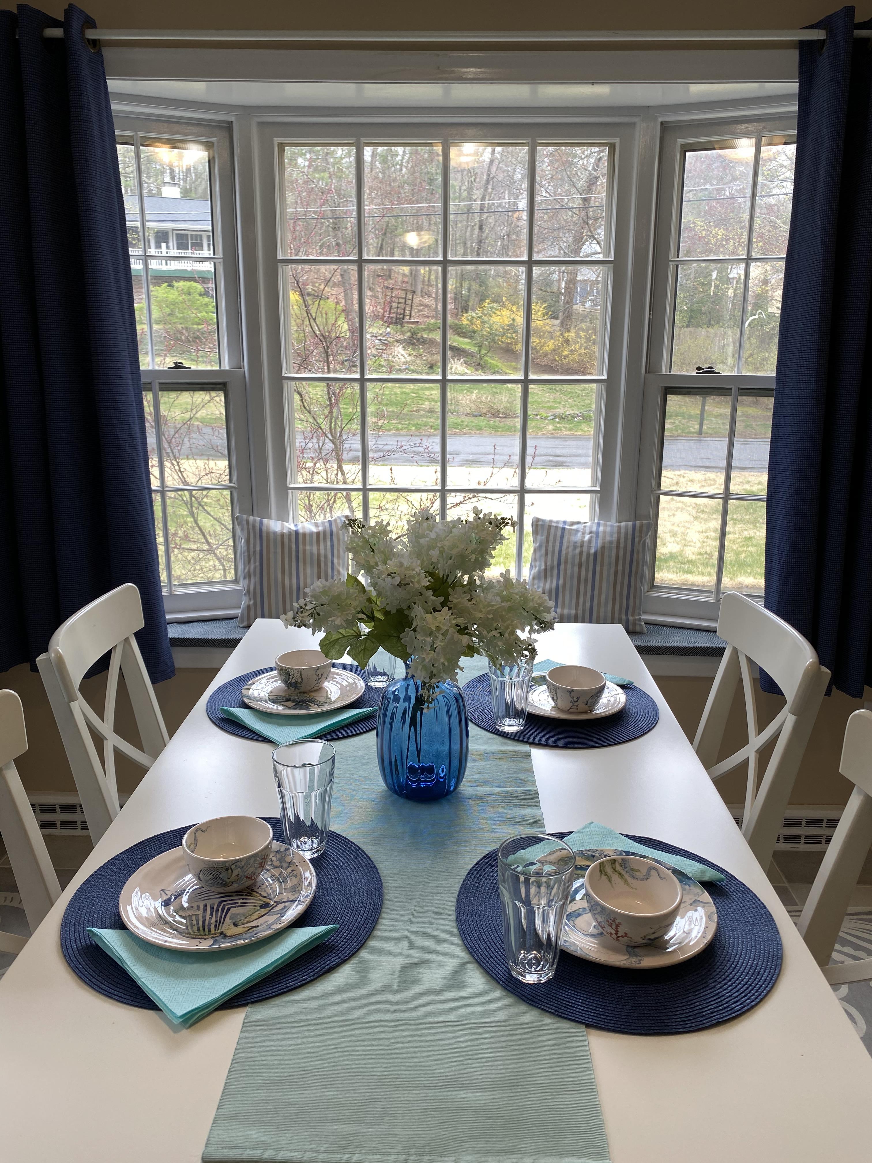 Breakfast Nook Table Setting