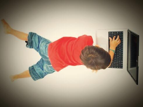 El consentimiento necesario para tratar datos personales de menores de edad.