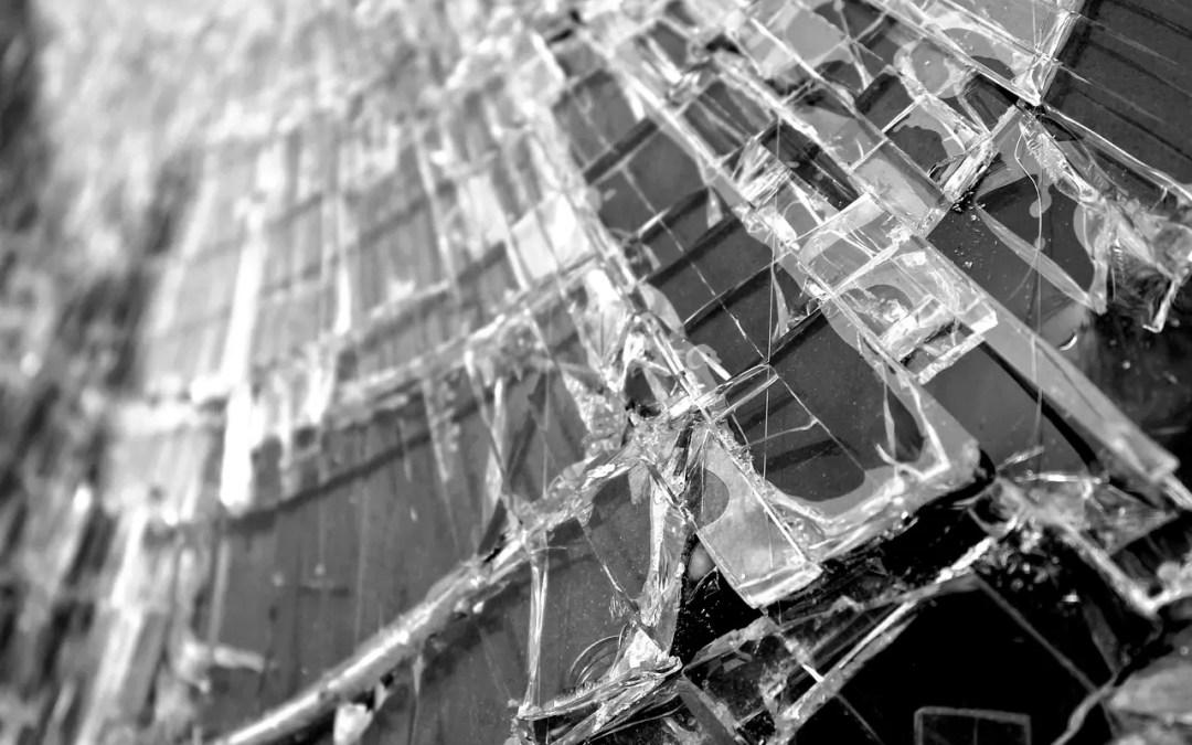 Reclamar una indemnización por lesiones sufridas en accidente de tráfico o circulación vía penal: Denuncia con valoración por médico forense y sin pericial de parte.