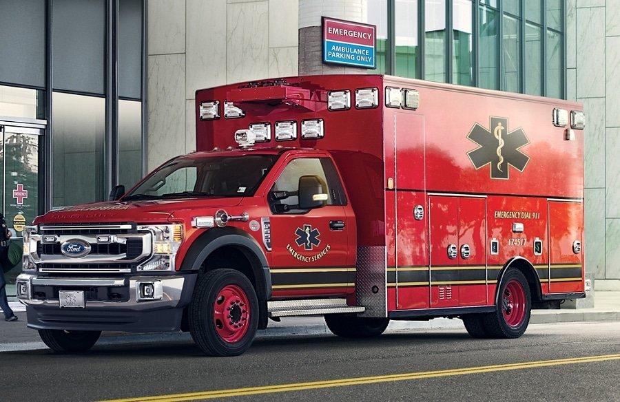 Quedan tres hospitalizados tras un accidente en El Cajon Boulevard y Fairmont Avenue, en San Diego, CA
