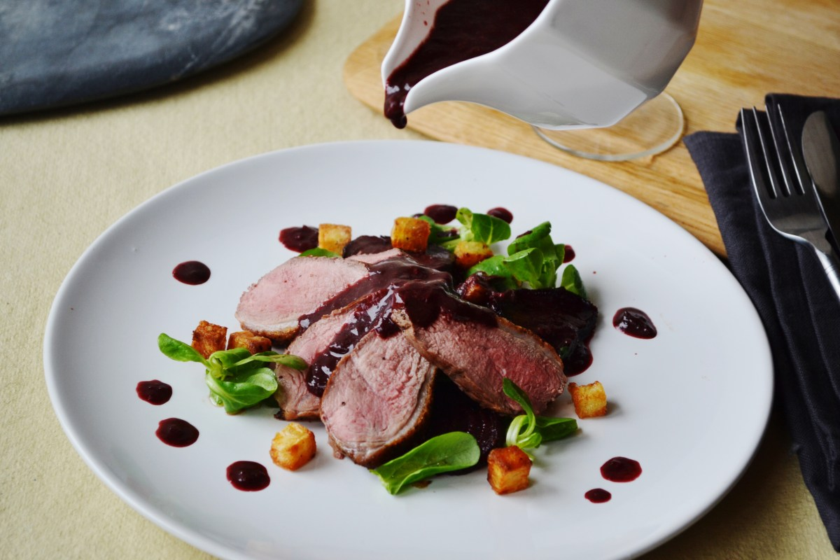 Savse Smoothies: Duck, Beetroot, and Crispy Potatoes, with Super Blue Sauce