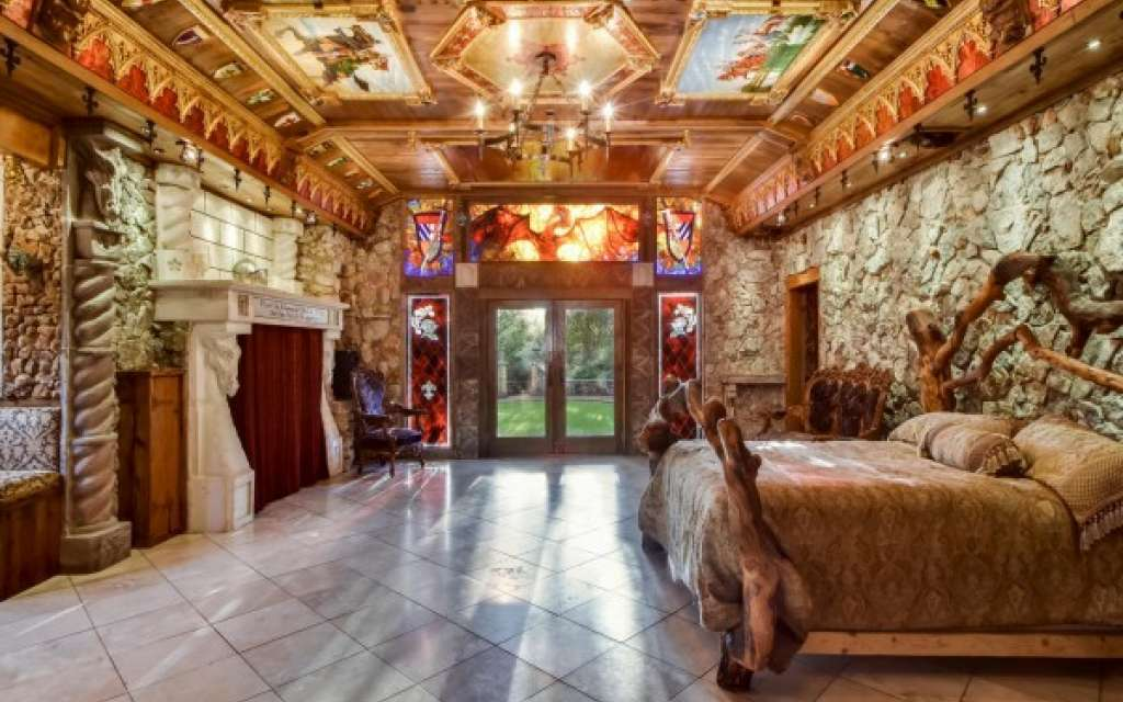 Camelot's Retreat – A Fantasy Medieval Mansion That You Could Buy