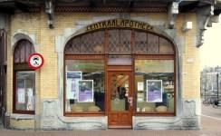 Shop window of Centraal Apotheek Leeuwarden