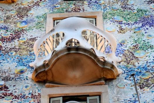 Birds nest balcony of Casa Batlló - Passeig de Gràcia 43