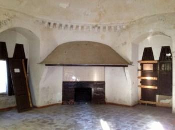 Inside the Güell Pavilions