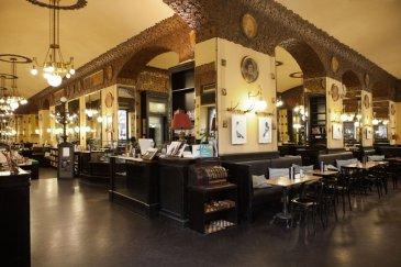 L-shaped_Caffè_San_Marco_Trieste