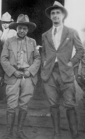 Sandino y Ramon Belausteguigoitia