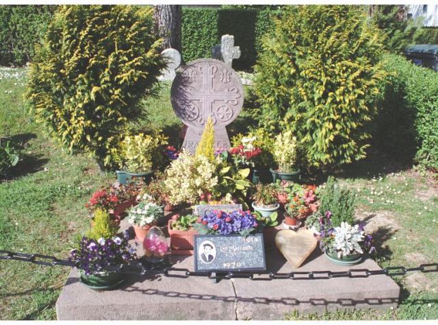 tumba de Luis Mariano