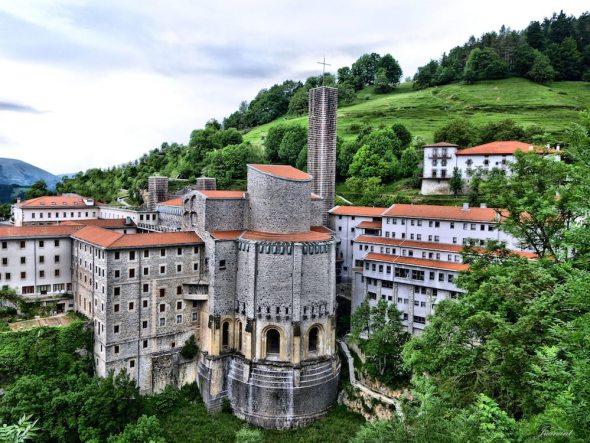 Santuario de Nuestra Señora de Arantzazu - Gipuzkoa-Euskadi