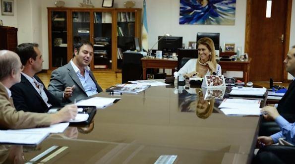 La ministra de Industria, Débora Giorgi, recibió al titular del grupo Iraola (propietario de la empresa autopartista Corven), Leandro Iraola,
