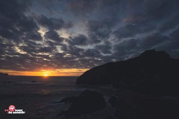 El sol se pone en San Juan de Gaztelugatze (Foto: Retour du monde)