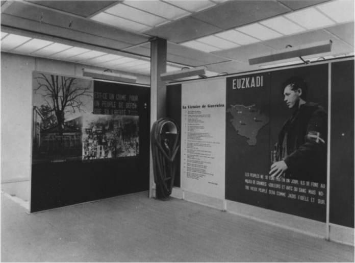 Mapa de Euzkadi en el Pabellón de la República española en la Exposición de París de 1937 Fotografía François Kollar)
