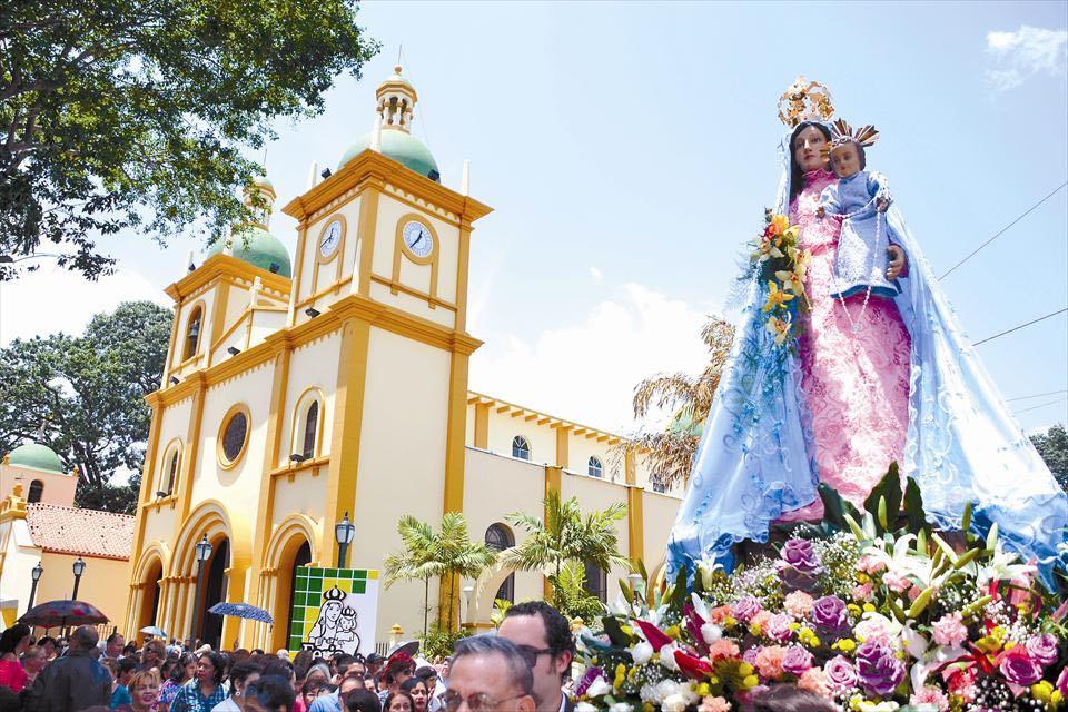 Celebración de la Festividad de Nuestra Señora de Begoña en Naguanagua (Venezuela)