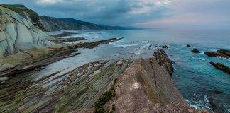 Zumaia flysch coast at sunset, Euskadi (DAVID GONZÁLEZ REBOLLO VÍA GETTY IMAGES)