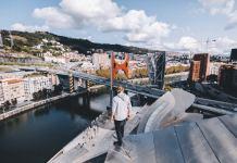 Guggenheim Bilbao fotografía contenida en el proyecto de Google por el XX aniversario del Museo Fotografía de Trashhand, 2017 - Fotografía Museo Guggenheim Bilbao)