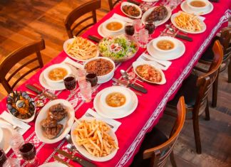 Louis' Basque Corner dinners and lunches are served family style — Photo courtesy of David Calvert / Louis' Basque Corner
