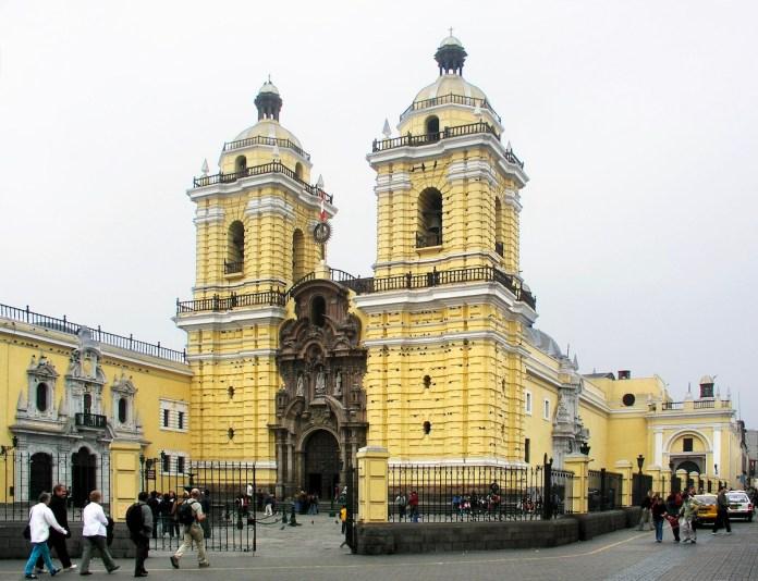 Iglesia de San Franciso de Lima. Donde se encuentra la Capilla y la Boveda de la Hermandad de Arantzazu de Lima