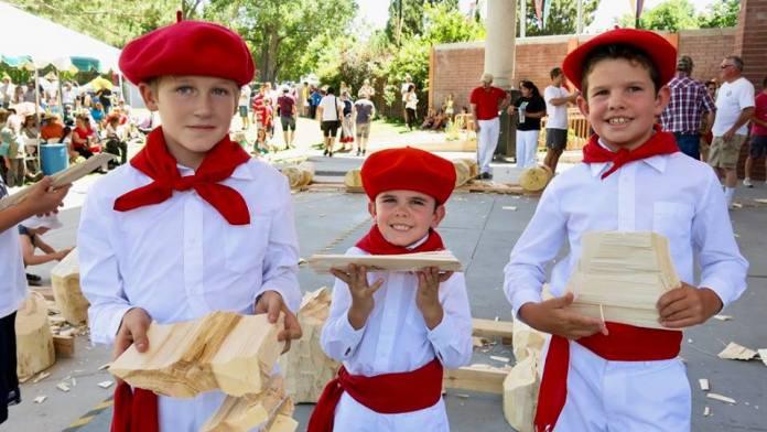 La web Euskaletxeak tiene archivadas decenas de miles de imágenes fotográficas que nos ayudan a conocer mejor la vida y la historia de los vascos repartidos por el mundo