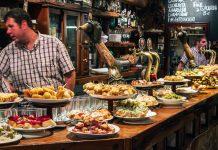 """Lonely Planet declara el """"ir de pintxos"""" como la mejor experiencia gastronómica dle mundo"""