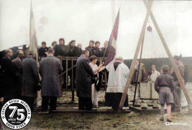 Colocación de la primera piedra del Centro Basco de Necochea (1946)