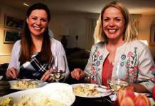 Catherine Fulvio (left) with Linda Kennedy, who is based in Crookhaven, West Cork, in Tastes Like Home on RTE1 on Monday