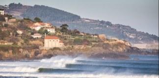 Imagen de Mundaka y su ola izquierda - magicseaweed.com