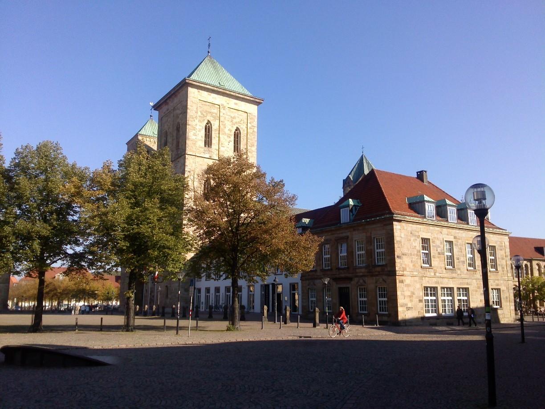 Der Dom in Osnabrück bei Sonnenschein