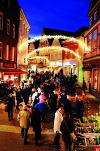 Der Lichterweg durch die Altstadt © STADE Tourismus-GmbH