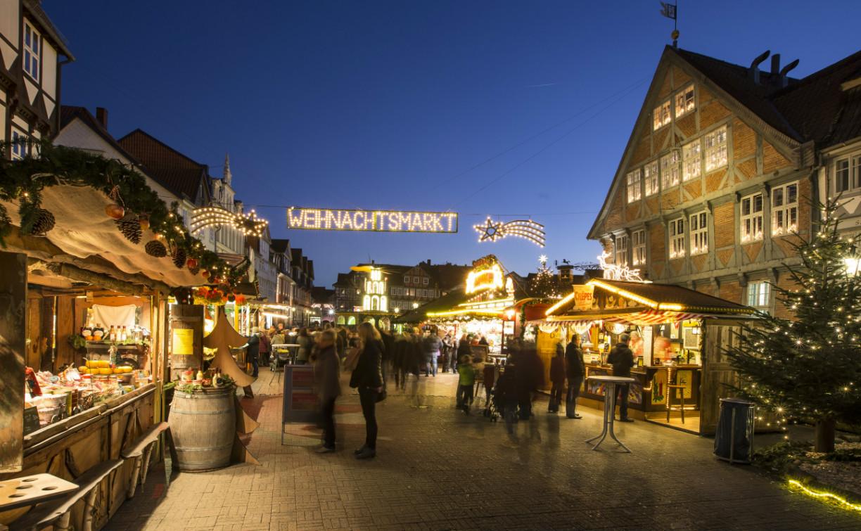 Der Wolfenbütteler Weihnachtsmarkt bietet Romantik und viel Fachwerk. Die schönsten Weihnachtsmärkte in Niedersachsen