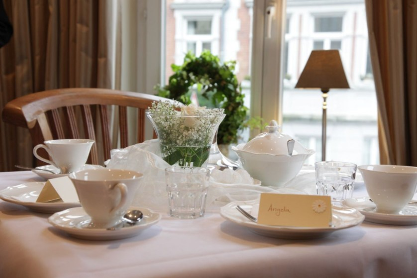 Gedeckter Tisch im Kaffeehaus Lindenallee.