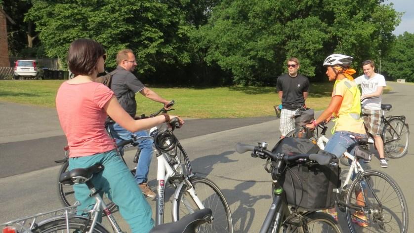 Meine Mitradler (und mein Fahrrad) bei der Führung, (c)WMG Wolfsburg