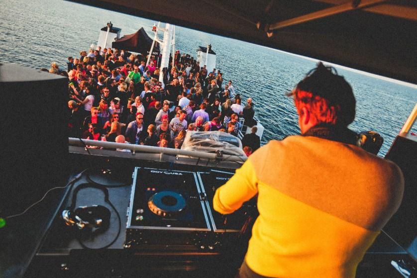 Blick von der DJ Stage auf das Oberdeck - (c) Dance Del Mare