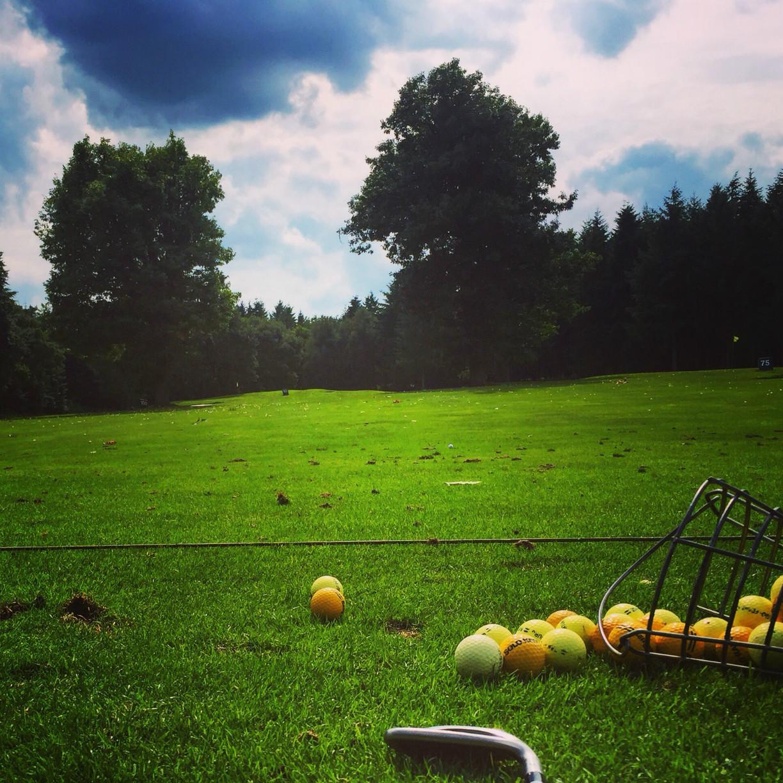 Bei schönstem Wetter auf dem Lingener Golfplatz / © Henning