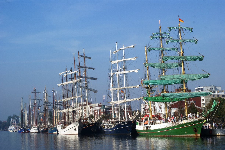 Segelschiffe am Bontekai Wilhelmshaven  Foto: WTF