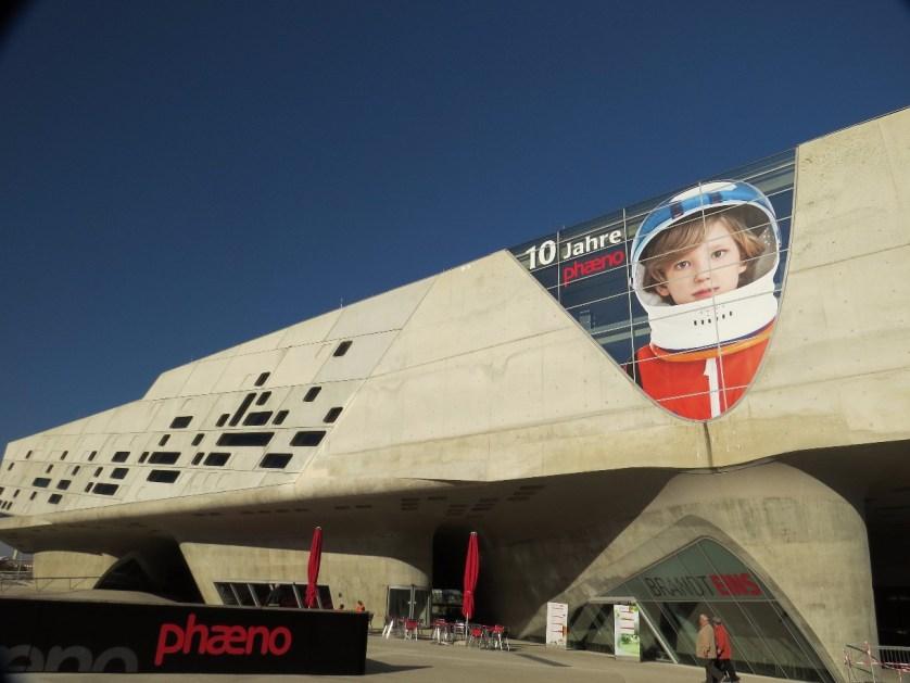 Raumschiff oder Science Center?