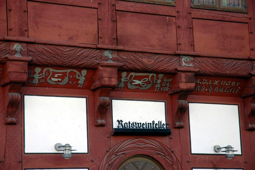 Holzschnitzornamentik am Alten Gifhorner Rathaus von 1562 - Foto: Südheide Gifhorn GmbH
